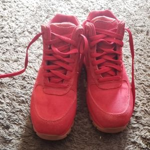 Red nike air boots